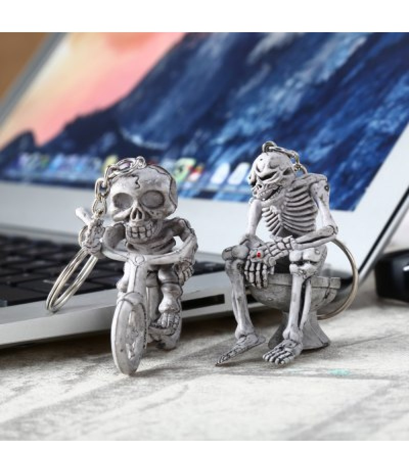 2pcs Creative Skull Shape Key Chain for Decoration Amusement