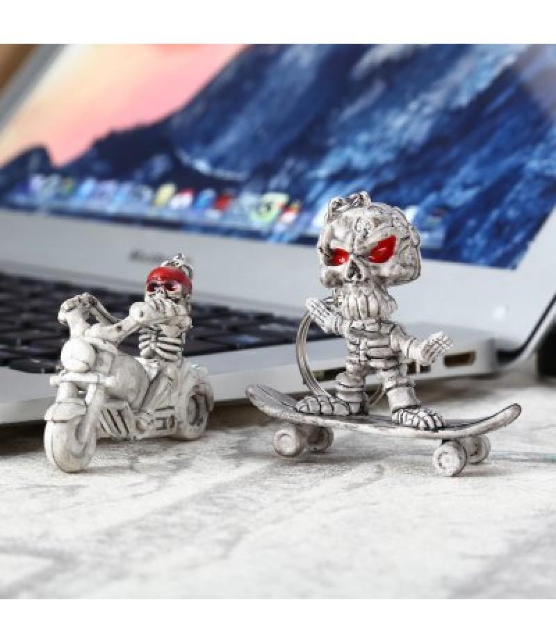 2pcs Creative Skull Shape Key Chain for Amusement